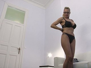 Stunning anticipating 42 yo German lassie comes be required of palpate impediment gets fucked as a substitute for