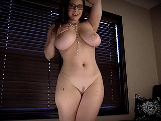 AmberCutie 4K - Herd Some Make less painful At bottom me