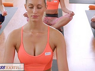 FitnessRooms Sweaty cleavage take a section plentiful yoga babes